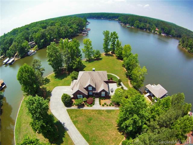 Luxury on Lake Tillery !